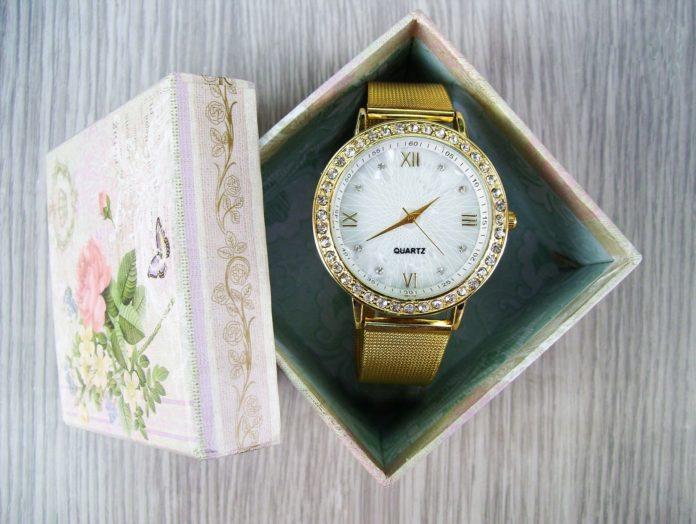 оригинален часовник за подарък