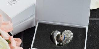 флашка - медальон сърце подарък